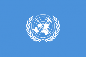 Em fundo azul, logotipo das Nações Unidas
